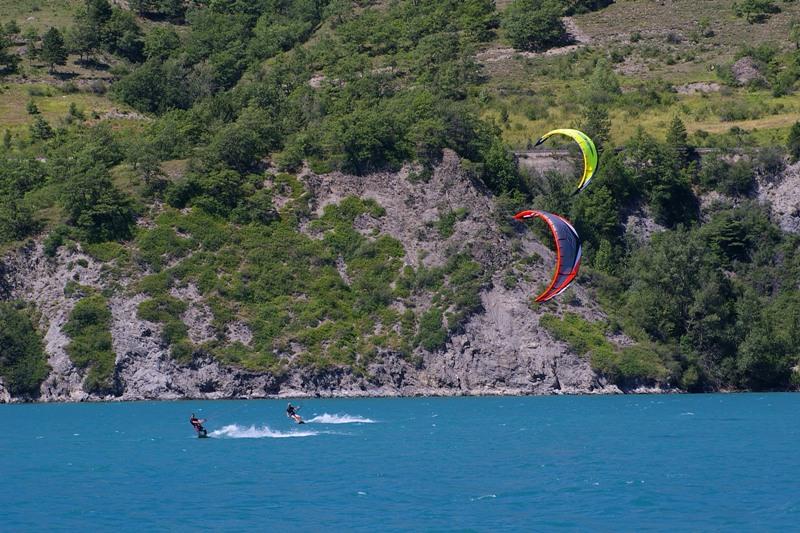 Lac Serre Poncon : Sailing windsurfing kite surfing smadesep